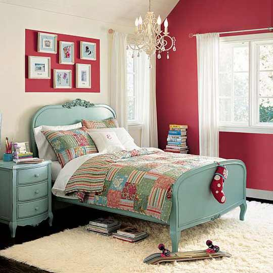 decorate-with-canvas-prints-for-teens
